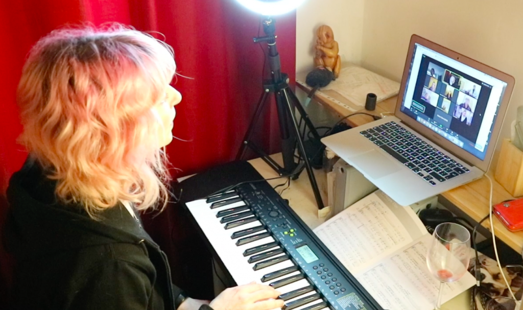 Victoria Bourne Online Singing Lessons